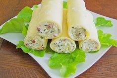 Brunch Recipes Goudaröllchen, a very delicious recipe from the category Fast and easy. Party Finger Foods, Finger Food Appetizers, Snacks Für Party, Appetizer Recipes, Snack Recipes, Cooking Recipes, Law Carb, Brunch Buffet, Tapas