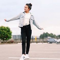 » Les gustó el nuevo video? 💕 Outfits Niños, Tumblr Outfits, Strike A Pose, Zara, Normcore, Poses, Elegant, Casual, T Shirt