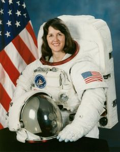 Kathryn C. Thorton United States Missions: STS-33 (Nov. 22, 1989), STS-49 (May 7, 1992), STS-61 (Dec. 2, 1993) and STS-73 (Oct. 20, 1995)