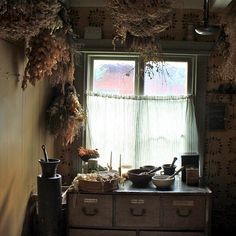 Pestals and mortars, apothecary stand, dried flowers ... so many craveables all in one little space.  In love with Finland .... -- Eve. #Gypsy #Bohemian