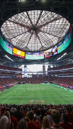 Mercedes-Benz Stadium Baseball Park, Soccer Stadium, Football Soccer, Mls Soccer, Atlanta United Fc, Atlanta Usa, Stadium Architecture, Lionel Messi Barcelona, Football Stadiums