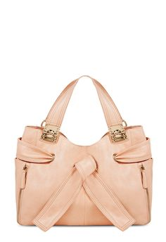 This bag is perfect bag for a day out in the city!