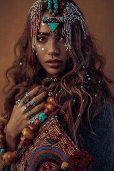Inspiring Ideas for Boho & Hippie Style Jewelry Hippie Style, Ethno Style, Photo Portrait, Portrait Photography, Fashion Photography, Travel Photography, Ethnic Fashion, African Fashion, Boho Fashion