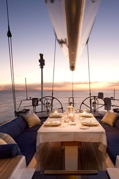 love eating out on the boat !