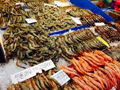 At this fish market, you can buy alive fish and eat it straight away!