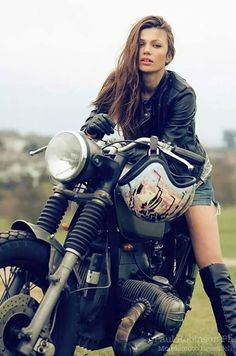Girl on an old motorcycle: Post your pics! - Page 1114 - ADVrider