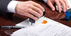 En quoi consiste l'examen des titres de propriété fait par un notaire ?