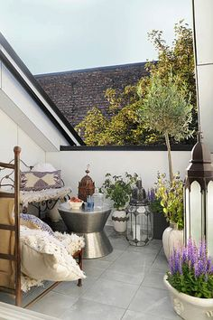 balcony garden nook...