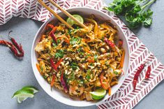 Throw away those takeout menus, this Easy Spicy Chicken Pad Thai will be your new favorite dinner that's quicker than delivery! Easy Thai Recipes, Indian Food Recipes, Asian Recipes, Whole Food Recipes, Healthy Recipes, Asian Foods, Healthy Meals, Yummy Recipes, Recipies