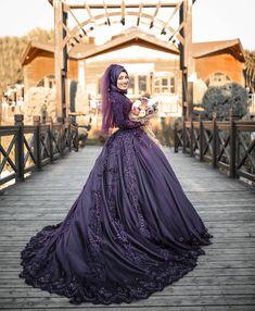Likes, 13 Comments – Bursa Hochzeitsfotograf (Glücksschutz) on … – ni… Muslim Wedding Dresses, Wedding Hijab, Bridesmaid Dresses, Indian Muslim Bride, Muslim Brides, Hijabi Gowns, Bridal Gowns, Wedding Gowns, Mode Hijab
