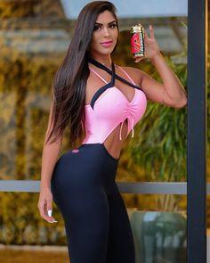 """3,334 """"Μου αρέσει!"""", 69 σχόλια - Mayara Della Vega (@mayaradellavega) στο Instagram: """"Querem disposição no dia a dia e mais energia no seus treinos ? Todos os dias tomo o Furian da…"""" Gorgeous Body, Long Black Hair, Brown Hair, Bikinis, Swimwear, Instagram, Fur, Fashion, Hair"""