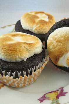 """Toasted Marshmallow Cupcakes   """"Great recipe!!! I made them as mini cupcakes so cooked them for 8 minutes at 350 F. They turned out perfectly and were super easy to take out of the tins."""" #cupcakerecipes #bakingrecipes #dessertrecipes #cupcakeideas Marshmallow Cupcakes, Easy Cupcake Frosting, Toasted Marshmallow, Fun Cupcakes, Cupcake Cakes, Tea Cakes, Chocolate Marshmallows, Chocolate Muffins, Chocolate Cupcakes"""