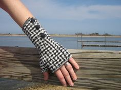 Houndstooth Fingerless Gloves by cathbell on Etsy, $72.00