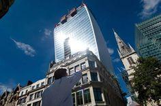 """Il nuovo grattacielo di Rafael Viñoly fa discutere ed """"incendia"""" Londra"""