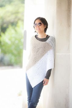 Catalunya Colorblock Poncho, free knit pattern. Photo by Jeune Girl Studio | 1dogwoof.com