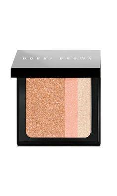 Bobbi Brown Surf & Sand brightening blush in Bronze. Best bronzer/blush I have ever used! Kiss Makeup, Love Makeup, Makeup Tips, Makeup Looks, Cheek Makeup, Stunning Makeup, Makeup Blush, Eyeshadow Makeup, Makeup Cosmetics