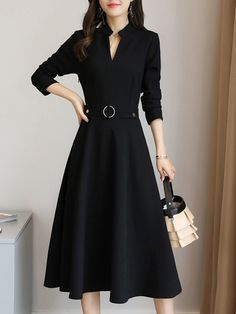 V-Neck Plain Pocket Maxi Dress - Olivia Maxi Dresses Simple Dresses, Pretty Dresses, Beautiful Dresses, Casual Dresses, Fashion Week, Girl Fashion, 90s Fashion, Runway Fashion, Bon Look