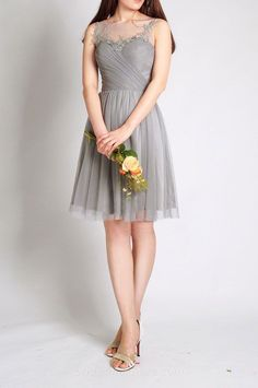 Knee Length Illusion Tulle Junior Bridesmaid Dress with Lace Applique