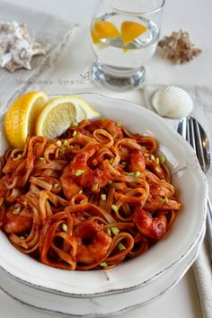 Garnélás tészta fűszeres paradicsomszósszal - Kifőztük, online gasztromagazin Pasta Noodles, Tempura, Food 52, Ravioli, Shrimp, Seafood, Recipies, Spaghetti, Curry