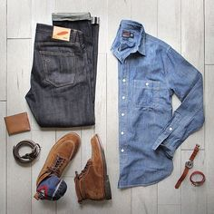 One great thing about men's fashion is that while most trends come and go, men's wear remains stylish and classy. However, for you to remain stylish, there are men's fashion tips you need to observe. Mode Masculine, Casual Wear, Casual Outfits, Men Casual, Mode Outfits, Fashion Outfits, Fashion Tips, Fashion Sale, Paris Fashion