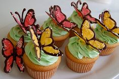 Chef Mommy: Butterfly Cupcakes - how to Butterfly Cupcakes, Easter Cupcakes, Pink Cupcakes, Cupcake Cakes, Cupcake Toppers, Cup Cakes, Cupcake Ideas, Decorated Cupcakes, Cupcake Art