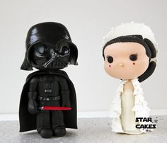 Star Wars cake toppers: Vader and Amidala Síguenos en facebook: https://www.facebook.com/starcakes.es