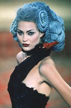 1997-98 - Mc Queen 4 Givenchy Couture show - Shalom Harlow