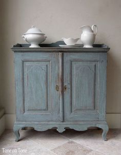 18th century Swedish blue cabinet.