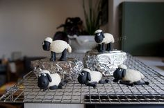 Rings For Men, Sweets, Fimo, Fondant Tutorial, Chef Recipes, Tutorials, Tips, Sheep, Communion