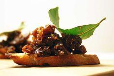 Crostini med figenchutney