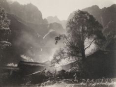 """Chin-san Long. """"Picture in the painting, painting in the picture"""": firsttimeuser Chinese Landscape Painting, Landscape Paintings, Long Pictures, Photo D Art, Grey Gardens, Photo Projects, Fairy Art, Chinese Art, Asian Art"""