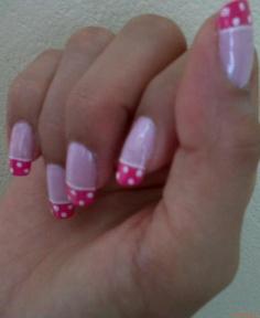 Pink polka dot nails Uñas pink