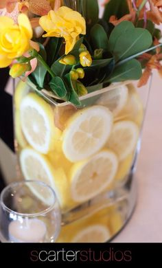 lemon slices as part of table decor  fresh idea
