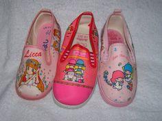 キャラくつ my mom never allowed me to have them.