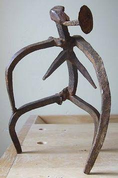 Fernan como escultor: Figura de hierro - Clavos de hierro antiguos y oxidados