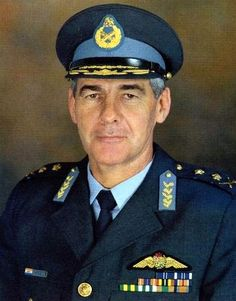 Lt-Gen James Kriel, former Chief of the South African Air Force. Left service after inauguration of President Mandela, in 1999. He was the first Chief of Air Force who never had a degree.  When he was 16 and finished school, all he wanted to do was go fly helicopters.    And so the journey began.............