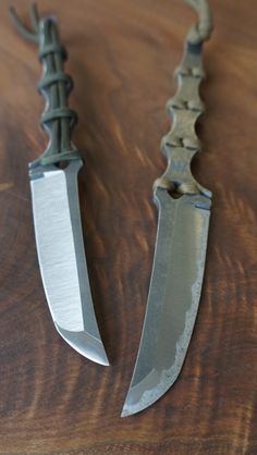 TSK-YT – Mummert Knives. The holes in the handle to weave cord into is cool!