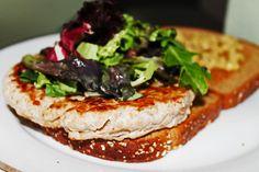 Clean Eating Dinner Idea – Turkey Burger | Clean Eating Recipes - Clean Eating Diet Plan Made Easy