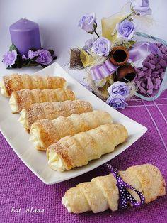 Ala piecze i gotuje: Rurki półfrancuskie z kremem budyniowym Polish Recipes, Cake Recipes, Biscuits, French Toast, Food And Drink, Cooking Recipes, Cupcakes, Cookies, Breakfast