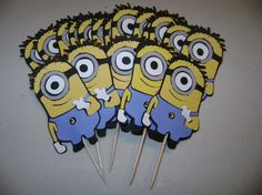 DM - Minion cupcake toppers