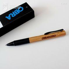 Bolígrafo Wood Box OBRA. - Bolígrafo de Bambú con estuche con grabación en laser Obradoiro. Laser