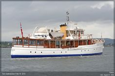 GRACE a yacht built by White Southampton Yachts in 1927 Speed Boats, Power Boats, Trawler Yacht, Diesel, Classic Wooden Boats, Deck Boat, Cabin Cruiser, Classic Yachts, Boat Design