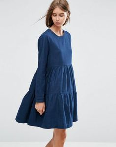 Vestido de denim amplio a capas en azul oscuro de ASOS