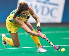 Anna Flanagan in her drag flick moment . Top australian hockey player for the Hockeyroos . Photo credit by: Grant Treeby / Treeby Images. We Love Field Hockey ❤️