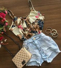 Happy Stars Shine The Brightest -{ Maybeanothername }🖤×🖤 Crop Top Outfits, Short Outfits, Spring Outfits, Cool Outfits, Casual Outfits, Girl Fashion, Fashion Looks, Fashion Outfits, Womens Fashion