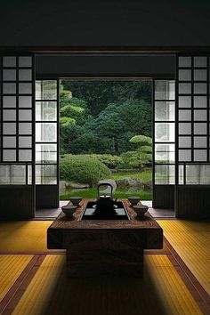 How To Add Japanese Style To Your Home Japanese room, Washitsu 和室 clean lines, simplicity and symmetrical balance Japanese Interior Design, Japanese Design, Contemporary Interior, Washitsu, Japanese Tea House, Traditional Japanese House, Japanese Homes, Japanese Gardens, Japanese Tea Table