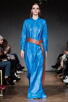 ABOUT Stand was founded by Nellie Kamras in 2014 from the idea to meet a demand for expertly designed, high fashioned leather pieces at an accessible price. Ravenclaw, Fashion 2018, Blue Fashion, Stockholm Fashion Week, Colorblock Dress, Leather Fashion, New Outfits, Style Guides, Ready To Wear