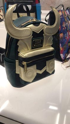 New Disney and Marvel Loungefly Designs Revealed at Her Universe Fashion Show! Source by fandom Unique Purses, Cute Purses, Purses And Bags, Nerd Fashion, Fandom Fashion, Disney Fashion, Punk Fashion, Lolita Fashion, Fashion Boots