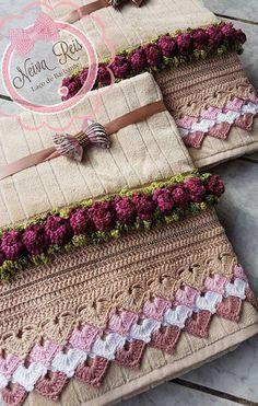 Bicos de Crochê: 50 Modelos para Se Inspirar e Gráficos para Usar nas Suas Produções! Crochet Towel, Cute Crochet, Crochet Doilies, Crochet Flowers, Knit Crochet, Crochet Boarders, Crochet Patterns, Bed Cover Design, Beginner Crochet Projects