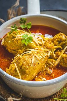 Indian Ginger Chicken Curry or Adraki Murgh is a spicy chicken curry with bold flavours of Ginger. Indian Chicken Recipes, Veg Recipes, Indian Food Recipes, Asian Recipes, Cooking Recipes, Recipies, Chicken Curry Recipes, Cooking Tips, Kurma Recipe